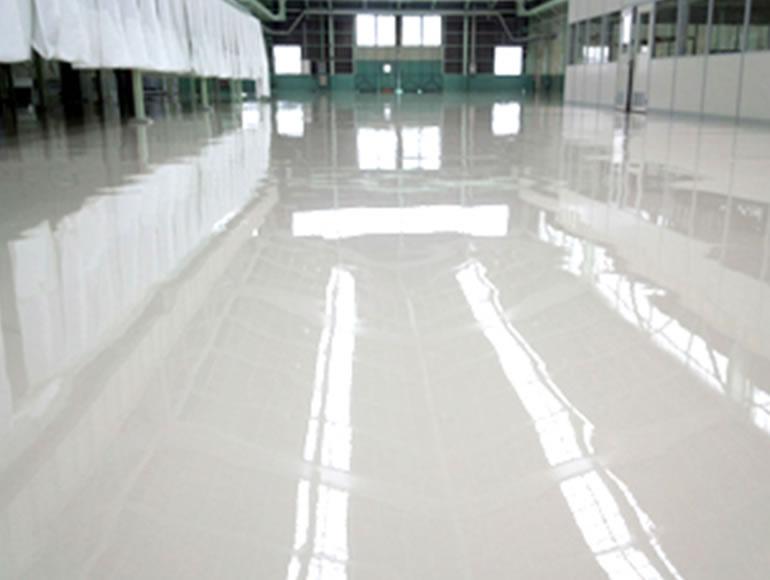 自動車部品工場向け硬質ウレタン樹脂塗り床工事