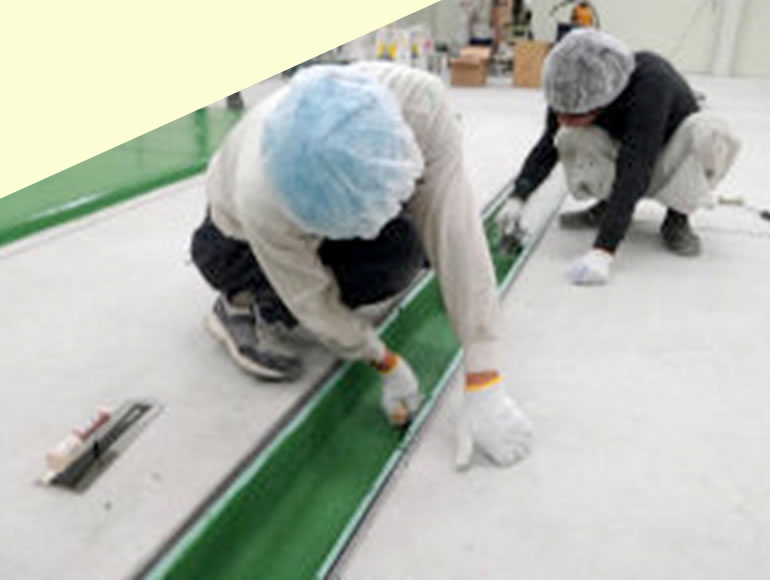食品工場の側溝の腐食防止・耐熱性付加工事