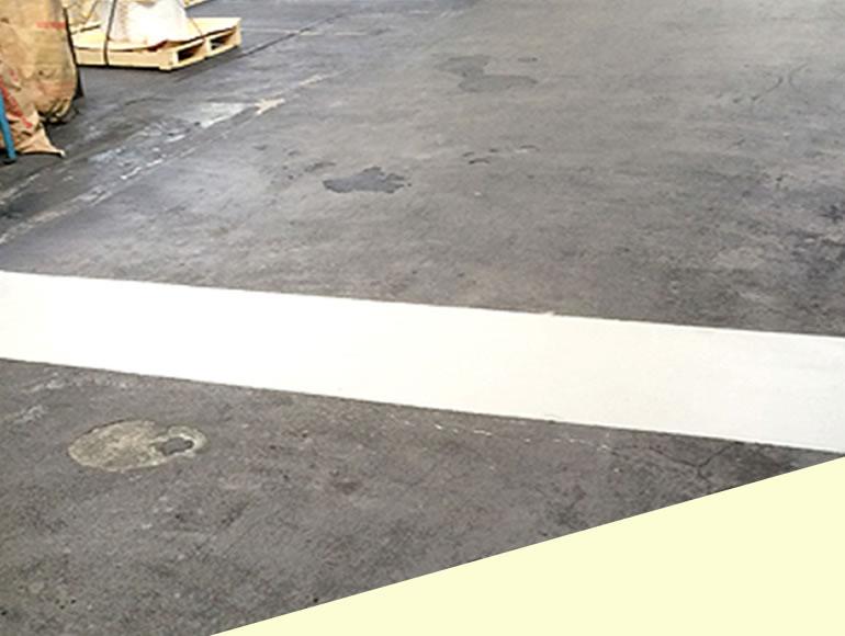 工場内動線における段差補修工事