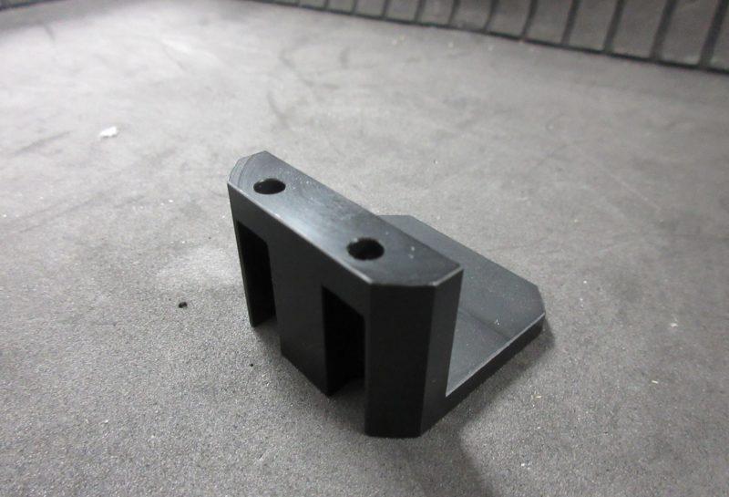 POM(黒)製 ブラケット