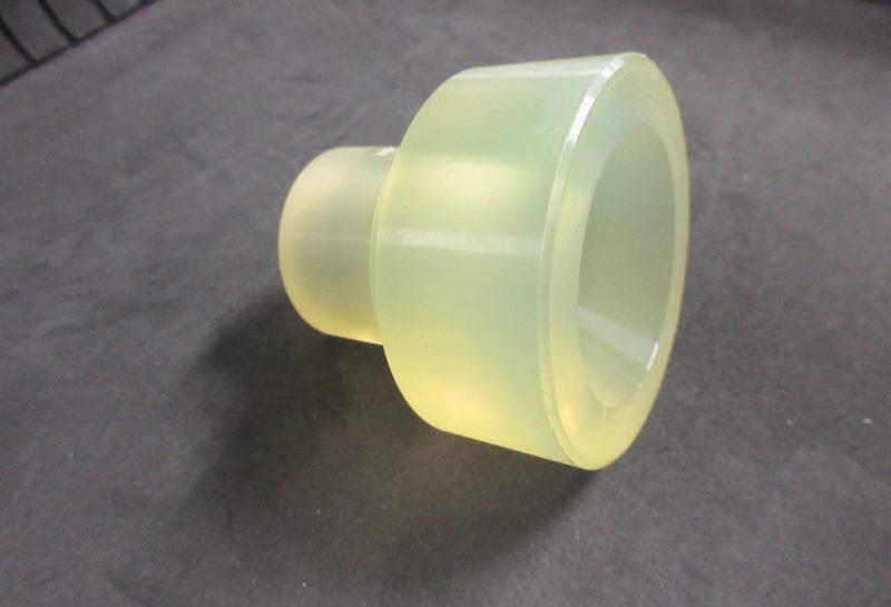 ウレタンゴム製キャップ形状部品