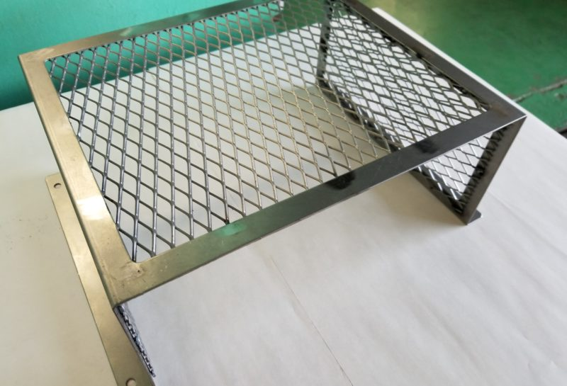 搬送装置の据え付け階段(エキスパンドメタル使用)