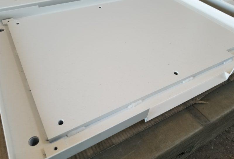 制御盤の収納BOX扉